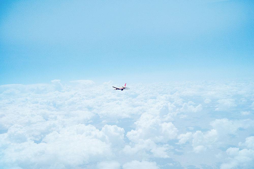 mở lại chuyến bay thương mại quốc tế